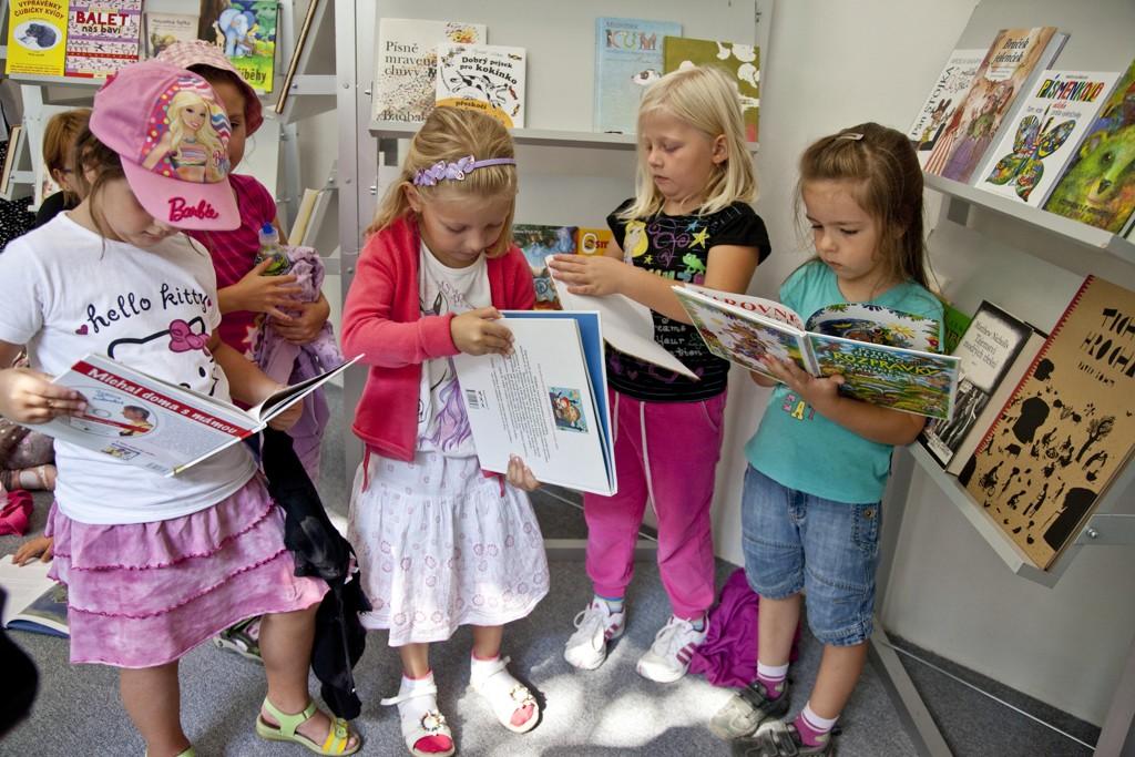 deti s knihami